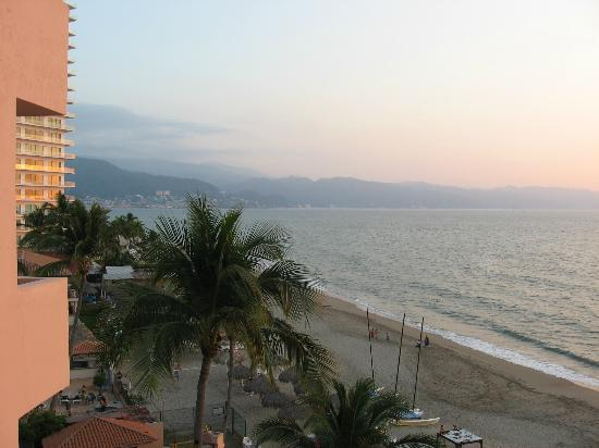 Crown Paradise Golden Resort Puerto Vallarta: Looking south toward Puerto Vallarta
