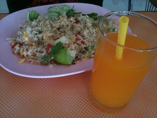 P.A. Place Hotel: завтрак