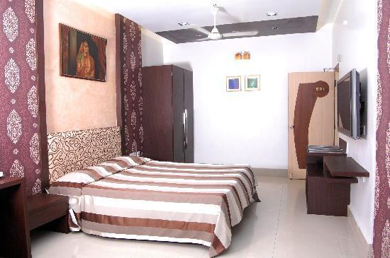 Hotel Rushabh Home: GOLDEN SUITE