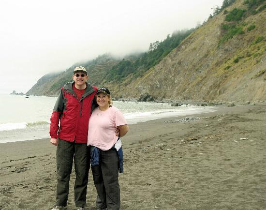 Mendo Insider Tours-Day Tours : Mark & Alisa on the beach after lunch.