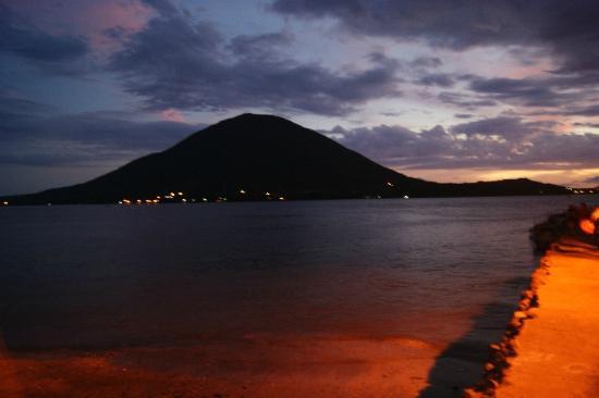 Honduras: Amapala de Noche