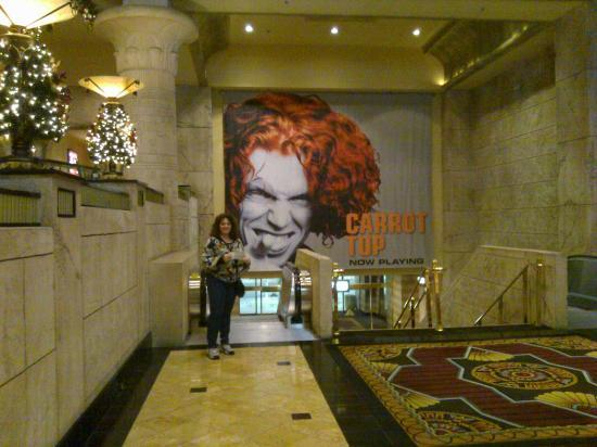 Carrot Top: Holding tickets Belly of Luxor