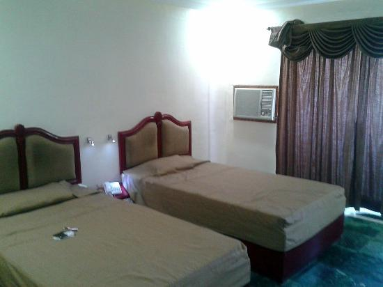 The Mourya Inn: decent rooms size with amenities
