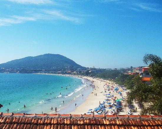 Bombinhas Tourist Hotel e Pousada: Playa de Bombinhas