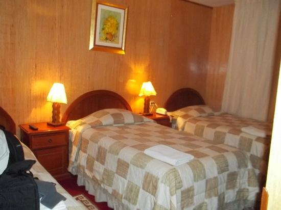 HOTEL EL BUHO: Habitación