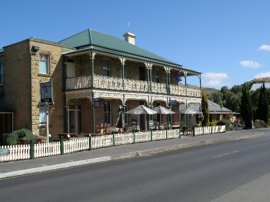 richmond arms hotel