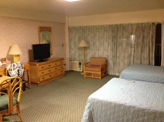 إليما هوتل: Room 502 