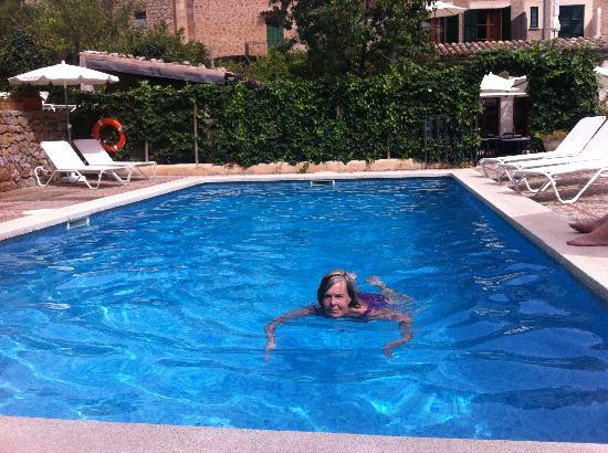 Hotel des Puig: Dopp i poolen