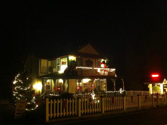 All Seasons Groveland Inn B&B: Great xmas decorations