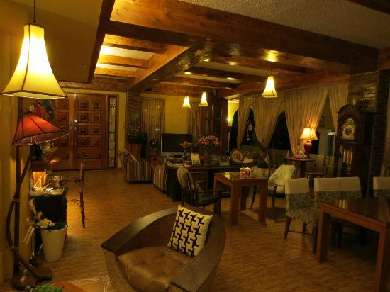 Egmon Situation Resort: Dining room