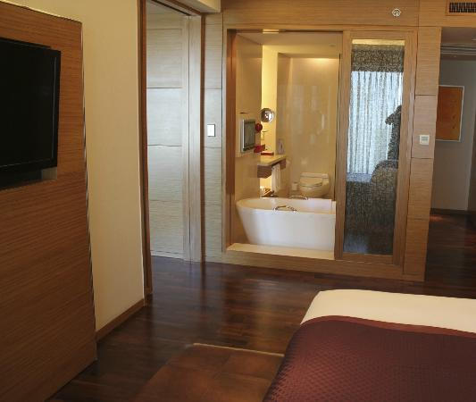 InterContinental Saigon Hotel: bathroom