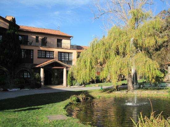 Husa Sant Bernat: El hotel