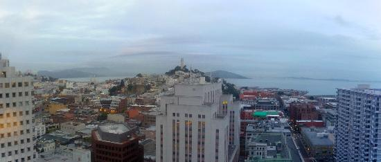 Le Meridien San Francisco: View of San Francisco at dawn from 24th floor