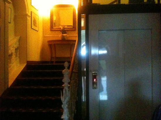 Belvedere Spa Hotel: The stairs and the lift