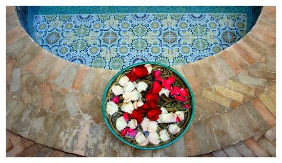 Riad Djemanna: A delicadeza de ser recebido com flores