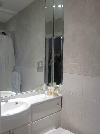 Benson House : Bathroom