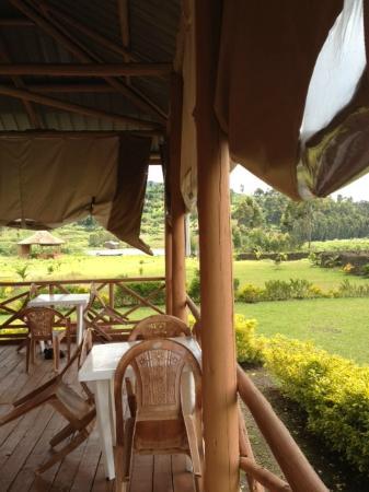 Lake Chahafi Resort: Open-air bar & restaurant