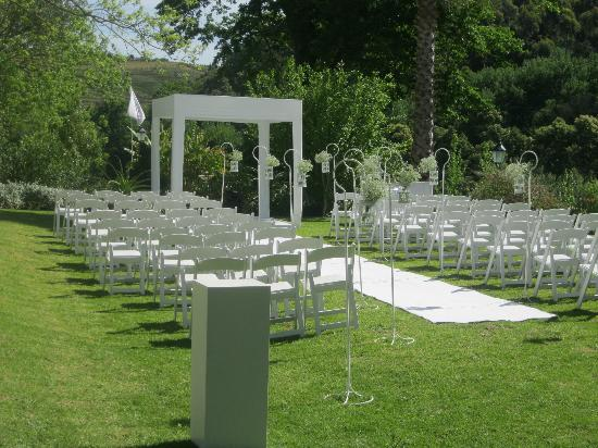 Grand Dedale Country House: The main wedding in the garden.