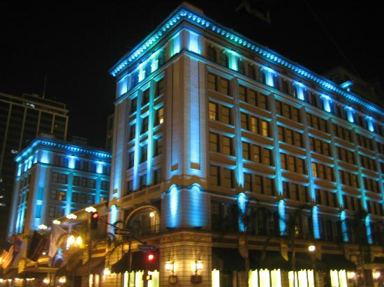 The US Grant: Night view of the hotel
