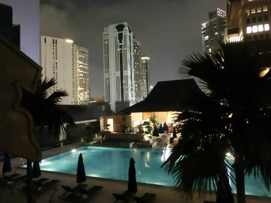 Royale Chulan Kuala Lumpur: Another Great Night View from Room - Level 3
