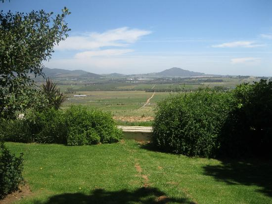 Spice Route Restaurant: The view of Paarl from the restaurant.