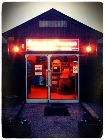 American Grill au Relais de la Pommeraie: l'entrée du restaurant