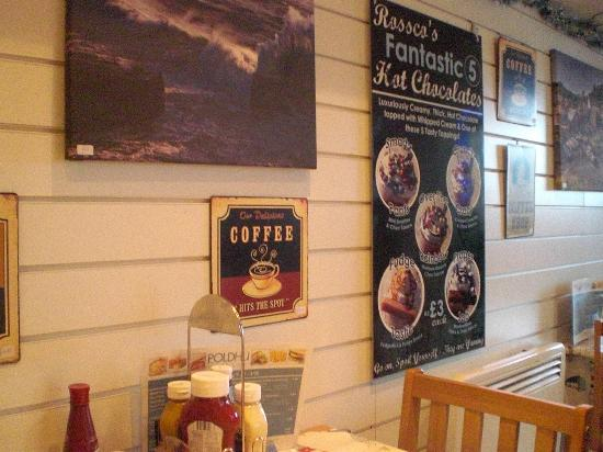 Poldhu Beach Cafe: cafe interior