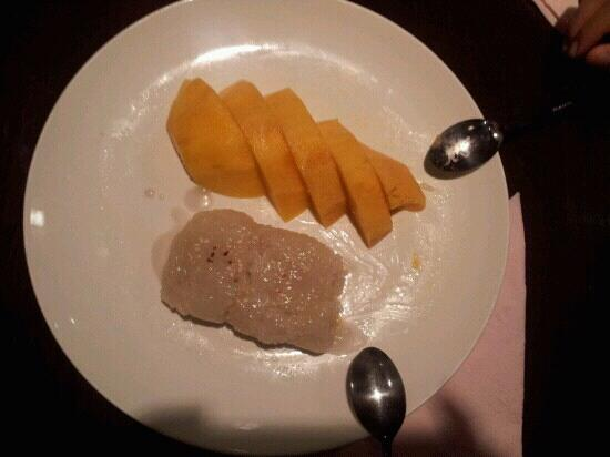 "Chiangmai Thai Cuisine: mango and sticky rice, it is tasty as well. however, there are still some ""gaps to be filled"""