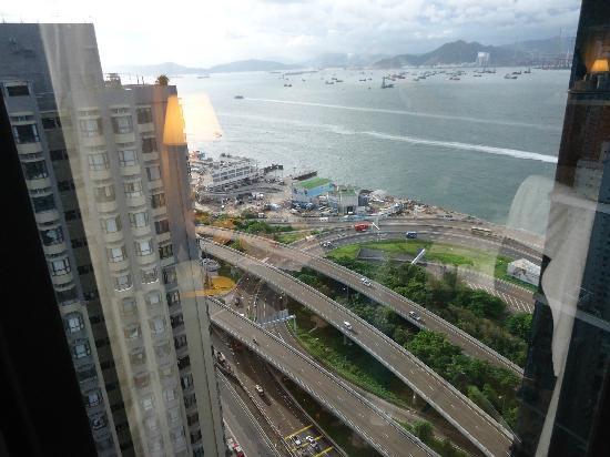 โรงแรมไอแลนด์ แปซิฟิก: View from my room(27th floor)
