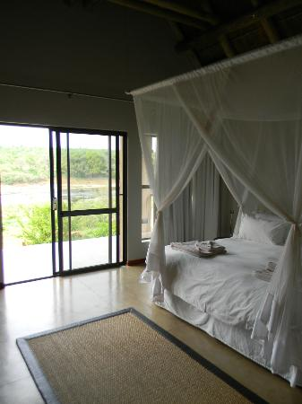 Mjejane River Lodge: typical bedroom