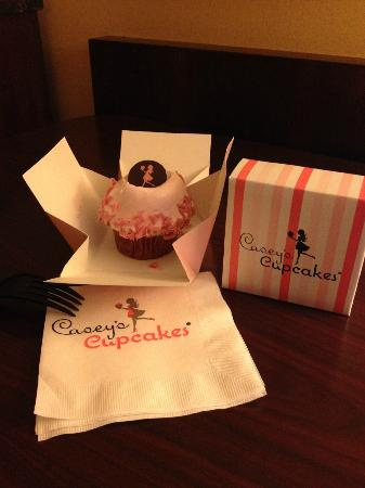 Casey's Cupcakes at the Mission Inn : Sassy Strawberry Cupcake at Casey's Cupcakes in Riverside, CA