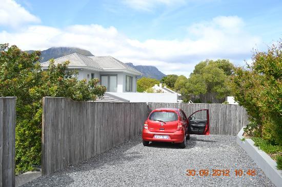 Chapman's Peak Bed and Breakfast: parking