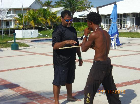 Viva Wyndham Fortuna Beach: Hector playing the stick game with guest