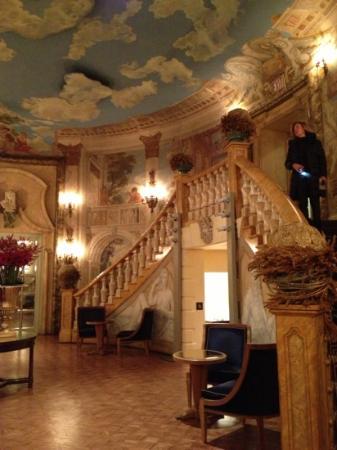 The Pierre, A Taj Hotel, New York: hall