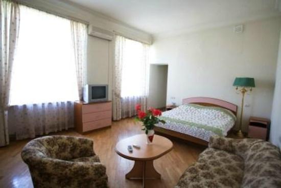 Villa des Roses Hotel: Family room
