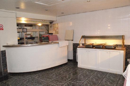 Whiteleaf Hotel: Bar area