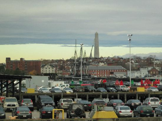 Battery Wharf Hotel, Boston Waterfront: Bunker Hill Monument & USS Constitution