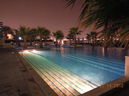فيرمونت باب البحر: pool 