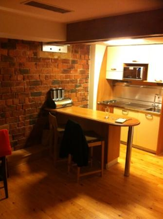 Hallmark Hotel Glasgow: Kitchen.
