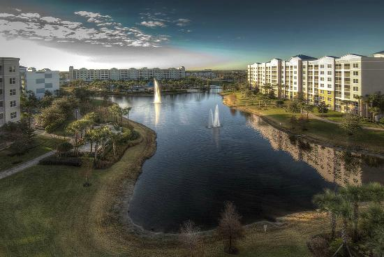 Bluegreen Fountains Resort : Sunrise at The Fountains from the top floor of Building 6.