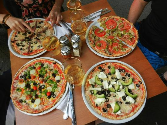 Amadeus: Awesome pizza's!