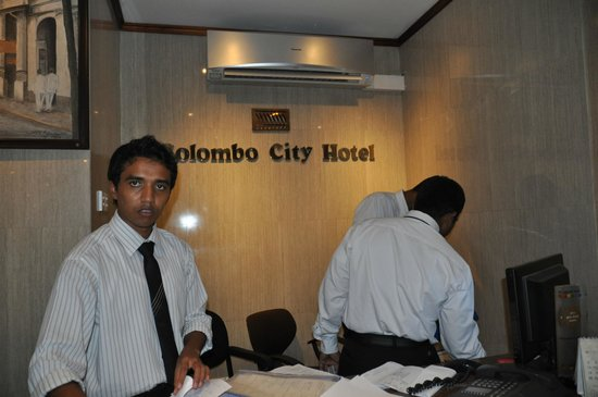 Colombo City Hotel: Reception