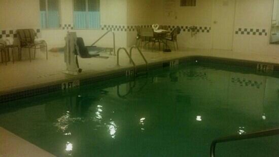 Fairfield Inn & Suites Nashville Smyrna: pool and hot tub