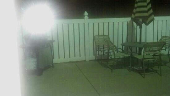 Fairfield Inn & Suites Nashville Smyrna: patio area with grill