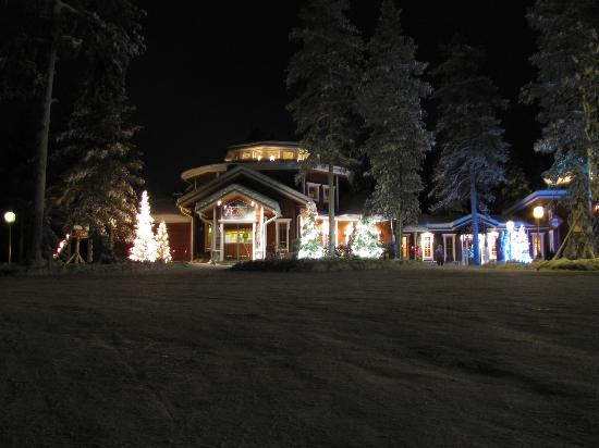 Akaslompolo, Finlandia: Poro Restaurant in Winter
