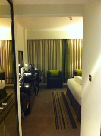 Pullman Dubai Creek City Centre: entrée chambre 1115