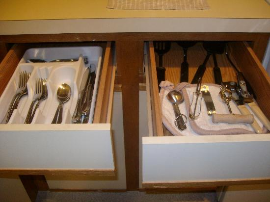 Sonesta ES Suites Flagstaff: Brand new Oneida silverware