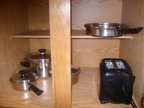 Sonesta ES Suites Flagstaff: Brand new cookware in Sonesta suites