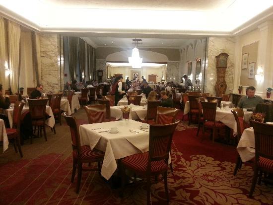Hotel Stefanie: dinning room