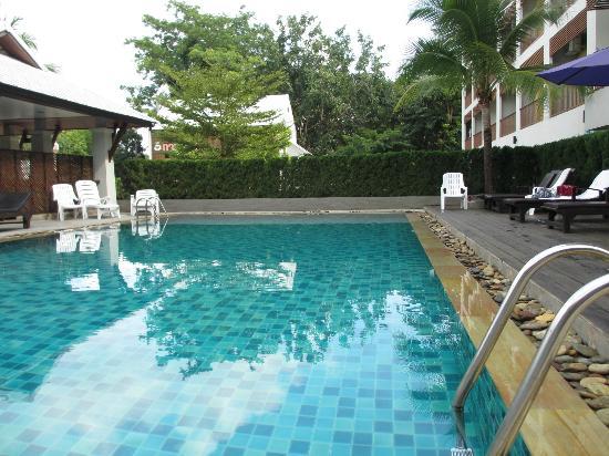 Sakorn Residence & Hotel: Pool
